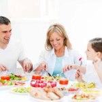 family_of_three_dinner