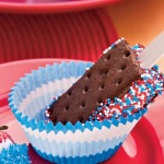 spangled-sandwich-pops-recipe-photo-420-FF0611JULY_A04