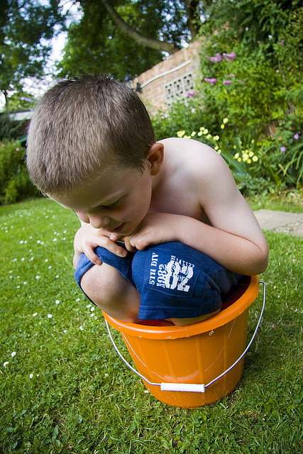 kid-in-bucket