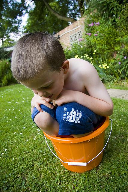 kid-in-bucket